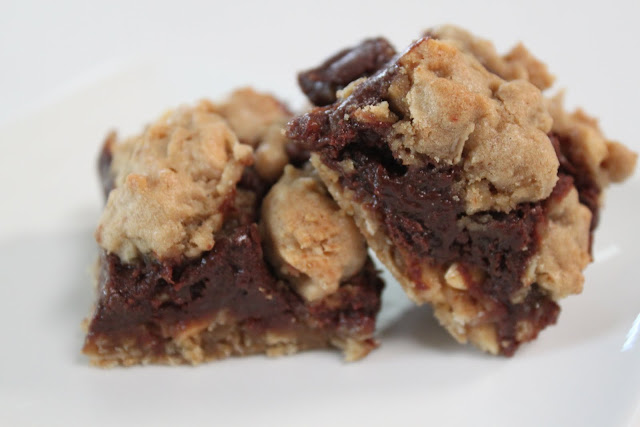 Mimi's Kitchen: TWD:Chocolate Oatmeal Almost-Candy Bars