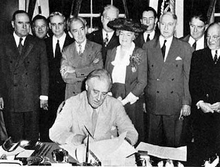 President Roosevelt signs GI bill