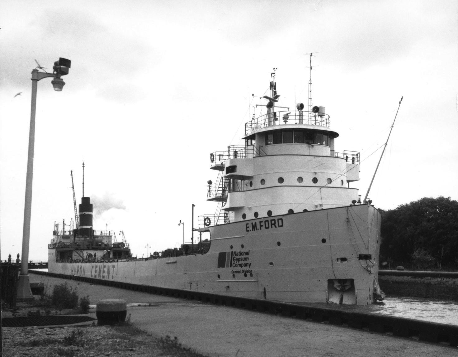 Great Lakes freighter Presque Isle E.M. Ford
