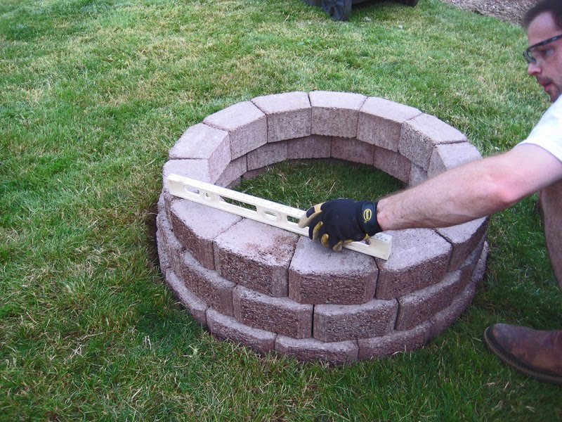 Stone Soup for Five: DIY simple brick firepit, in about an ...