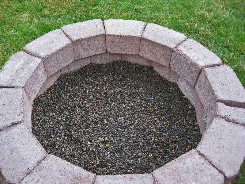 Stone soup for five diy simple brick firepit in about an for Make a fire pit cheap