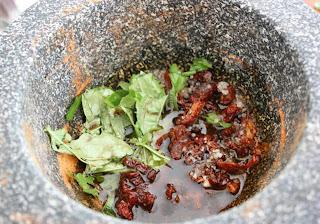 Fresh Basil, Sundried Tomato & Balsamic Rub