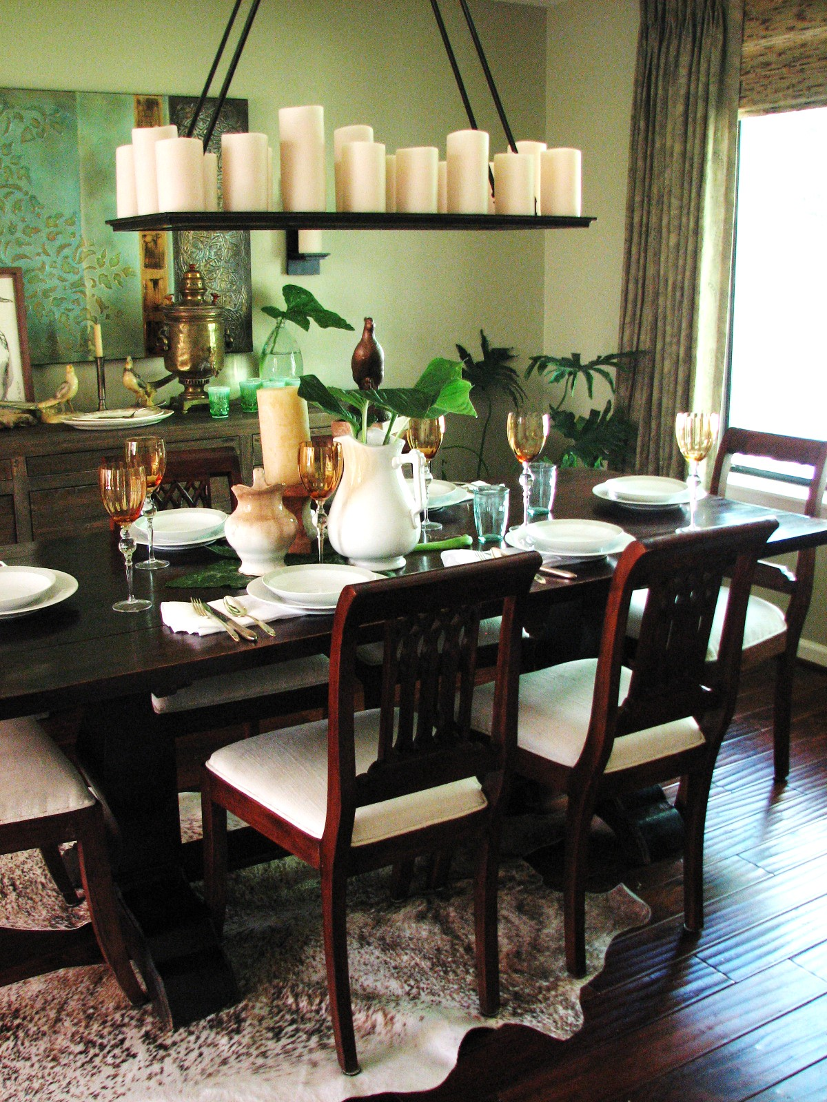 The curtains are an olive-colored paisley linen and we went with green  title=