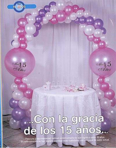Decoracion con globos para 15 a os for Decoracion simple con globos