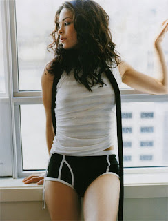 Hollywood Actress kristin kreuk Hot and Sexy Picture