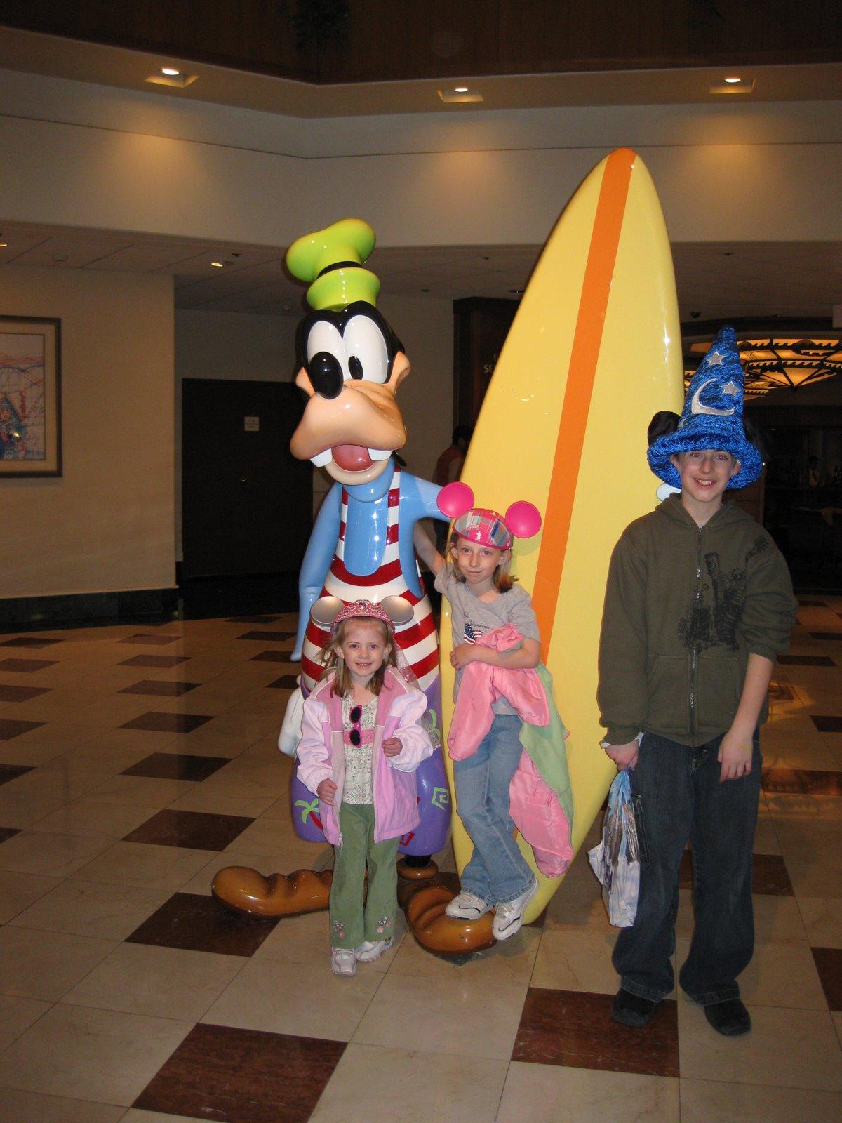 [_Disneyland_15.jpg]
