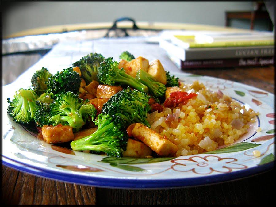 The Rockin' Vegan: Tofu & Broccoli with Israeli Couscous