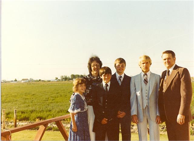 Lewis & Gailya Munson Family