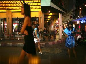 Hot News : Mengintip Kehidupan Malam di Bangkok Thailand