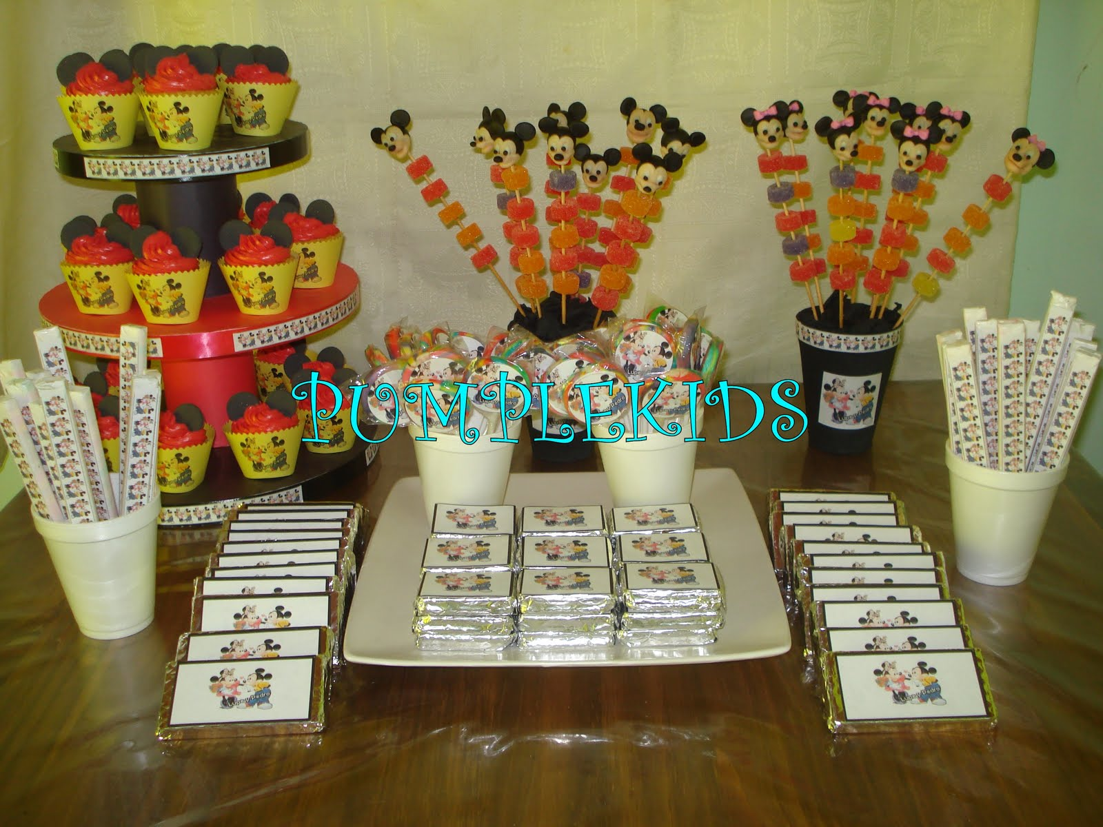 PUMPLEKIDS: TEMATICA MICKEY Y MINNIE