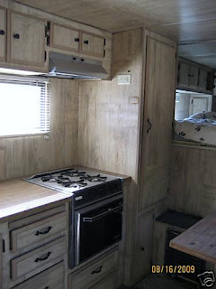 CUSTOM 2 Horse Trailer With Living Quarters LQ (TX)