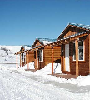 Bonduraunt hunting and fishing cabins - Bonderaunt Wyoming - on the Road Ride White Lines