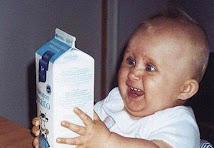 El bebé loco por la leche ama mi blog