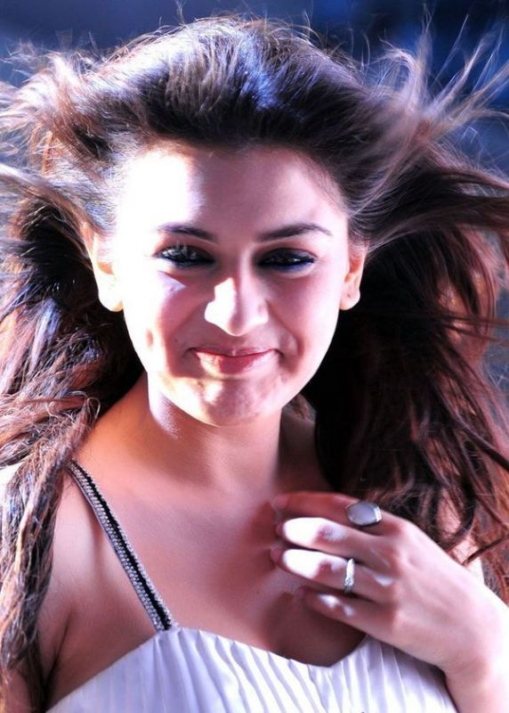 Hansika Motwnia Pictures Gallery- 2: Hansika Sexy Shocking updates