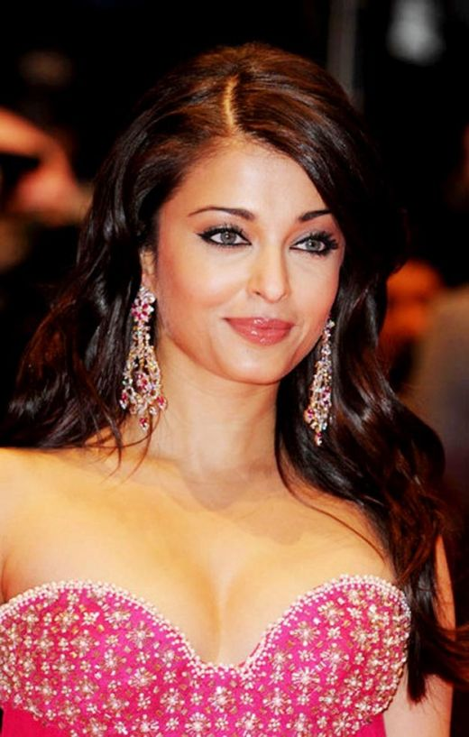 aishwarya rai hot pics. Latest Images of Aishwarya Rai