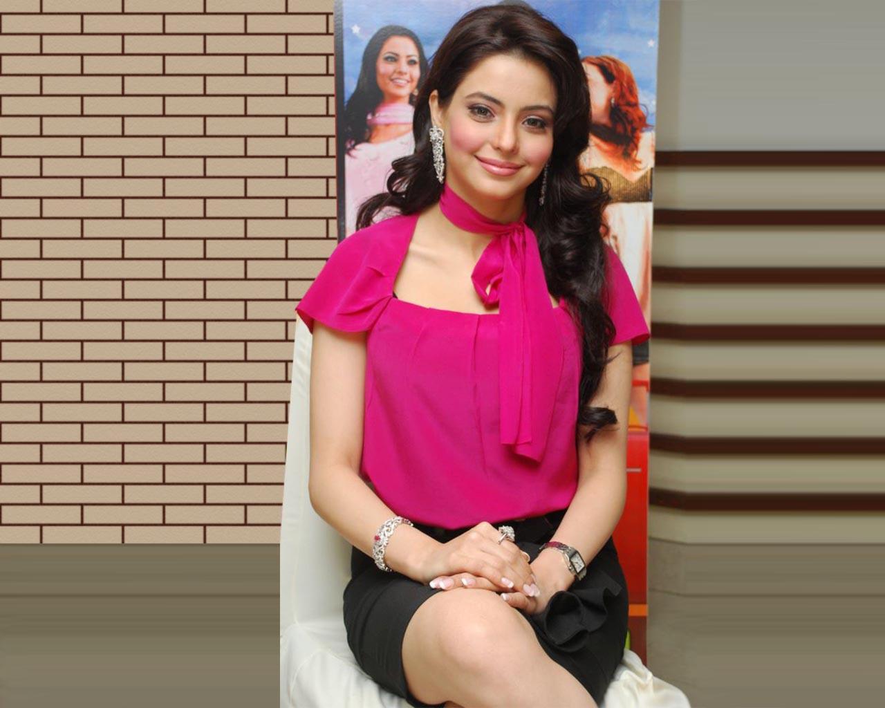 http://3.bp.blogspot.com/_TiCO8op_NpI/TJcrqGQ5p6I/AAAAAAAAXT0/-p8IvmVxTys/s1600/Amna+Sharif+Wallpapers.jpg+%2811%29.jpg