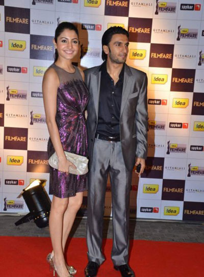 Anushka With Bf Ranveer at Filmfare Nominations Bash