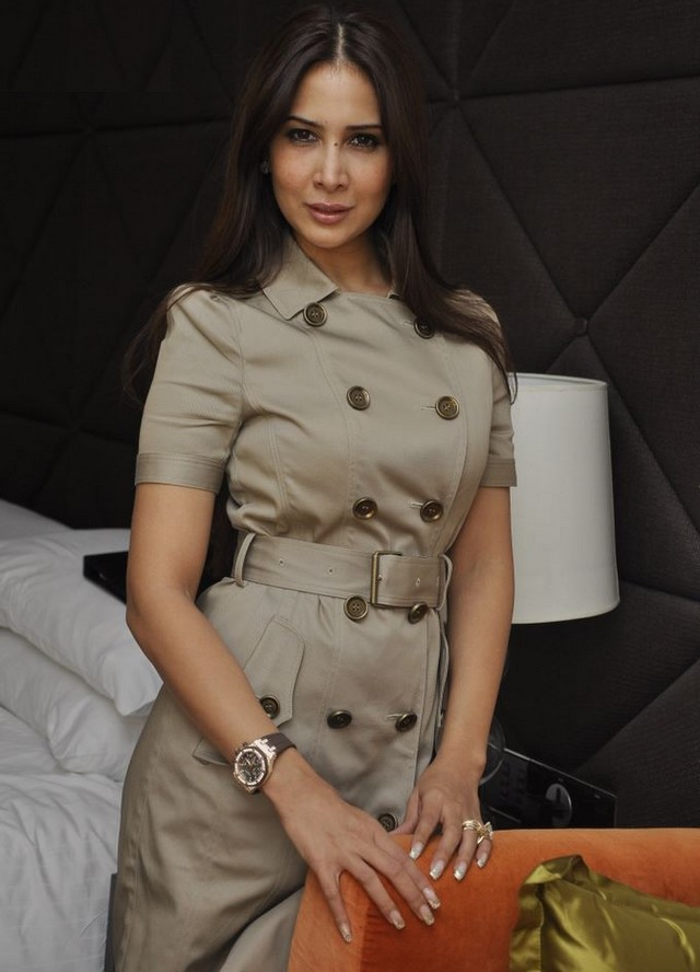 Kim Sharma Photoshoot Pics