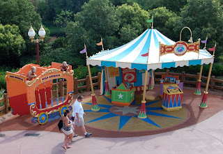 Of course the circus never stays in one place for long and Dumbou0027s Circus is preparing to pull up stakes. As part of the Magic Kingdom Fantasyland ... & Presenting Dumbo the Great! | DisneyShawn