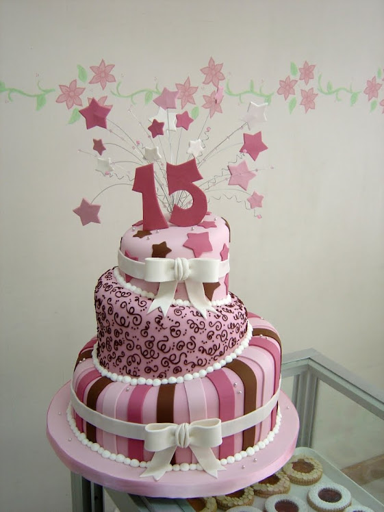 Fotos de tortas de 15 años con estrellas - Imagui