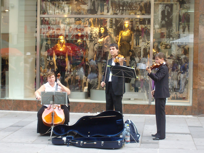 Music in the courtyard