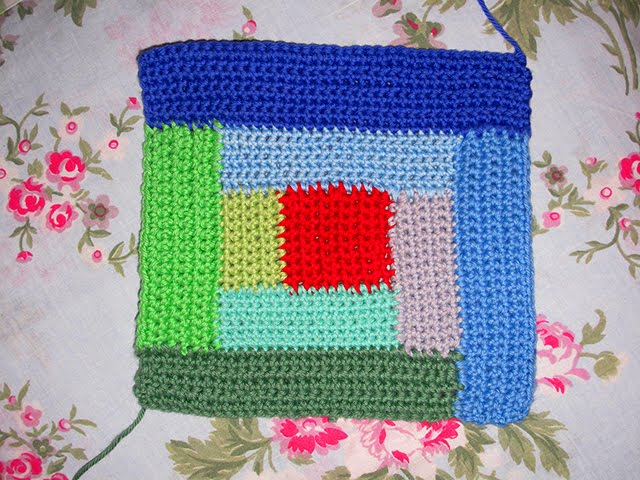 Heidi Bears Log Cabin Crochet Block Tutoriald A Giveaway