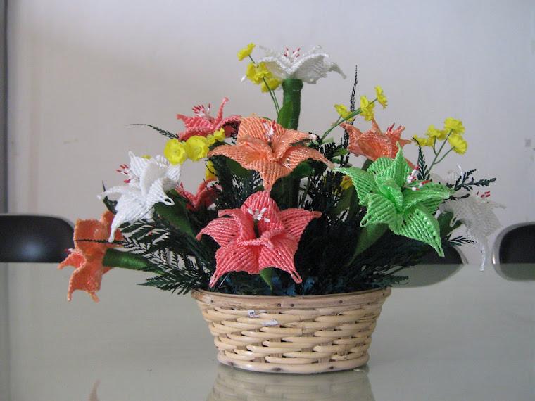 Bunga dari tali rafia