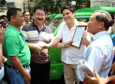 Cagayan de Oro mayor thanks Senator Zubiri's P12-M multicab donation