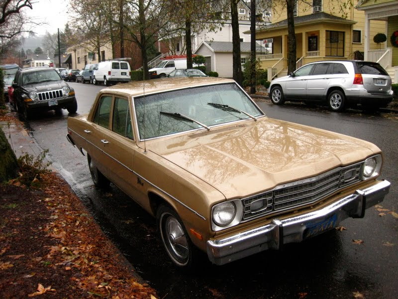 1975+Plymouth+Valiant+Sedan.+-+1.jpg