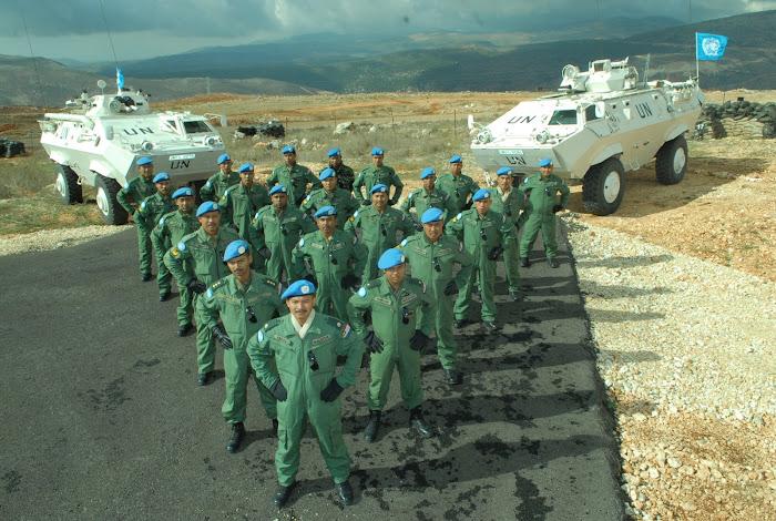 Mej Mohd Fadzil Bersama Pegawai Dan Anggota Elemen APC MALCON 2 UNIFIL