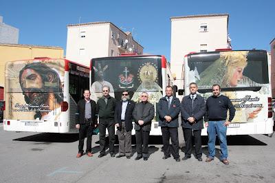 La Esperanza Macarena en los autobuses de Surbus un año más