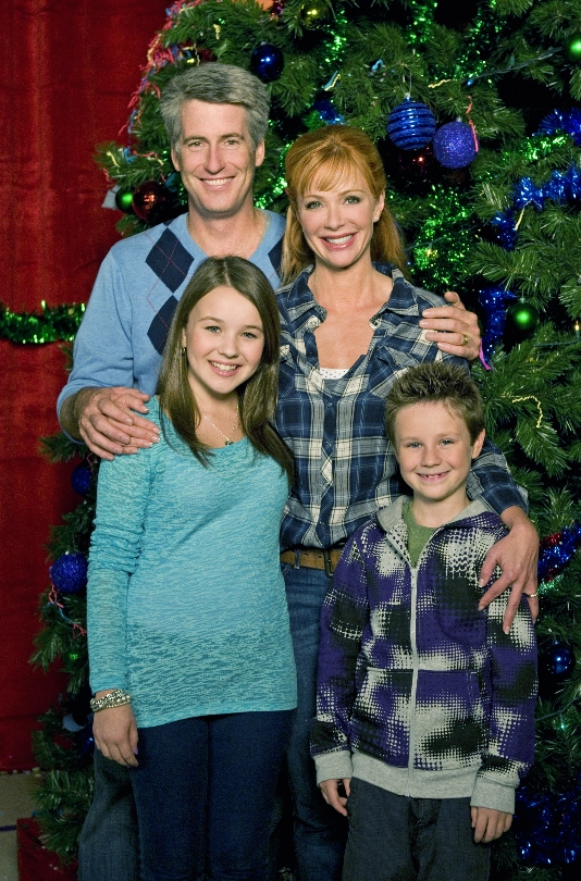 Its a Wonderful Movie - Your Guide to Family and Christmas ... Lauren Holly George Greco