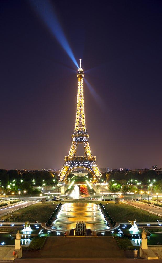 Il mondo delle meraviglie tour eiffel da oltre 120 anni simbolo di parigi - Image tour eiffel ...