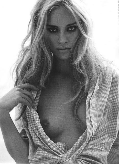 http://3.bp.blogspot.com/_Tw3IiCYzsqI/TFqBmMZaF4I/AAAAAAAAApI/ltyn_EhqM_4/s1600/23_Julie_Ordon_Playboy_2007_France-008.jpg