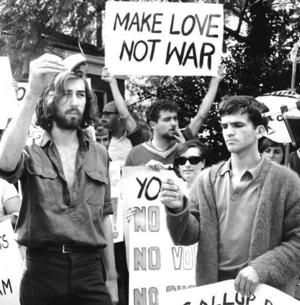 Faites l'amour pas la guerre - Page 3 Make-love-not-war1