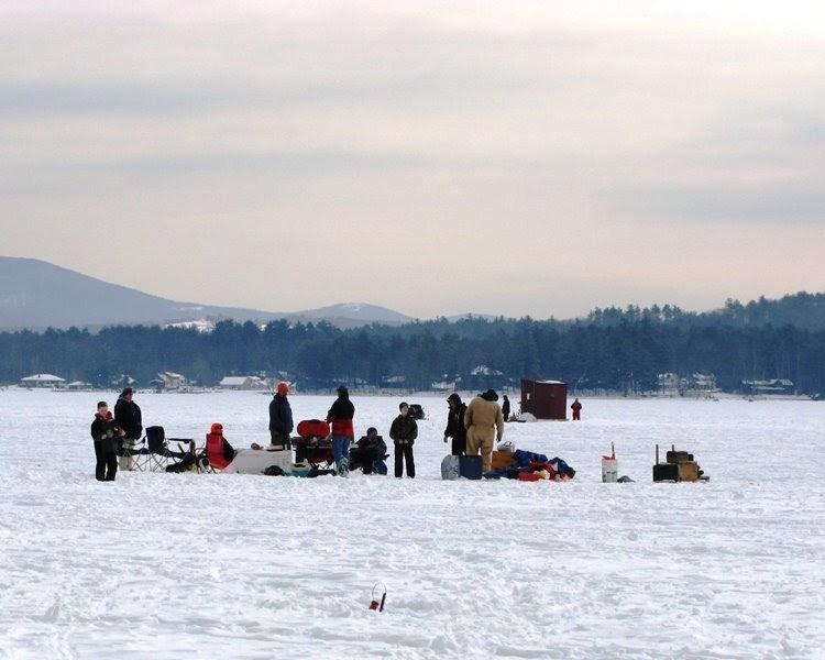 Actionshotsnh nh ice fishing derby lake winnipesaukee 2009 for Ice fishing nh