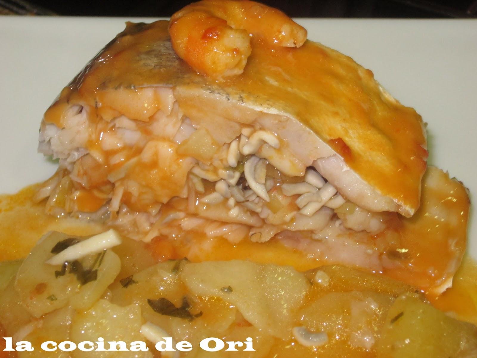 La cocina de ori merluza rellena de gambas y gulas for Merluza rellena al horno