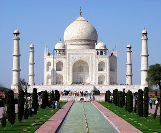 Taj Mahal- Agra travel-Famous Places in india