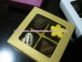 4 pcs choc in window box