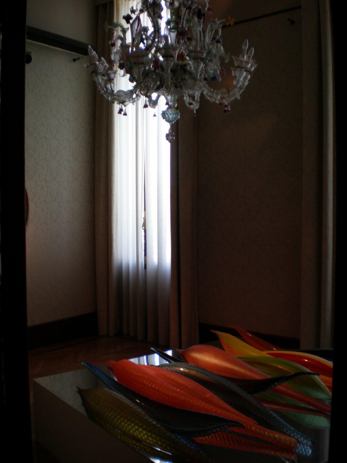 restauro lampadari antichi : Venezia: i lampadari in primo piano nobile del palazzo Cavalli ...