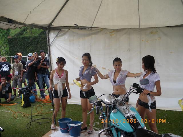 Gadis Melayu Cuci Motor Terlampau Sxksx ( 22 Gambar ).