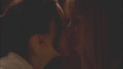 Lesbian Kiss, Cameron Richardson and Carla Gallo lesmedia