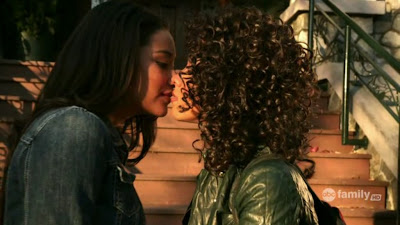 Shay Mitchell and Bianca Lawson , lesbian kiss