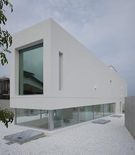 Historia da arte contemporanea minimalista caracteristica for Casa minimalista historia