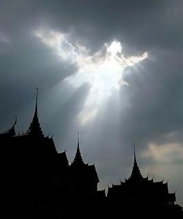http://3.bp.blogspot.com/_U3K1gGx8dIg/TAmWKItbbiI/AAAAAAAAAE4/WRSk-hZ8Eng/s1600/gambar+awan+mirip+malaikat.png