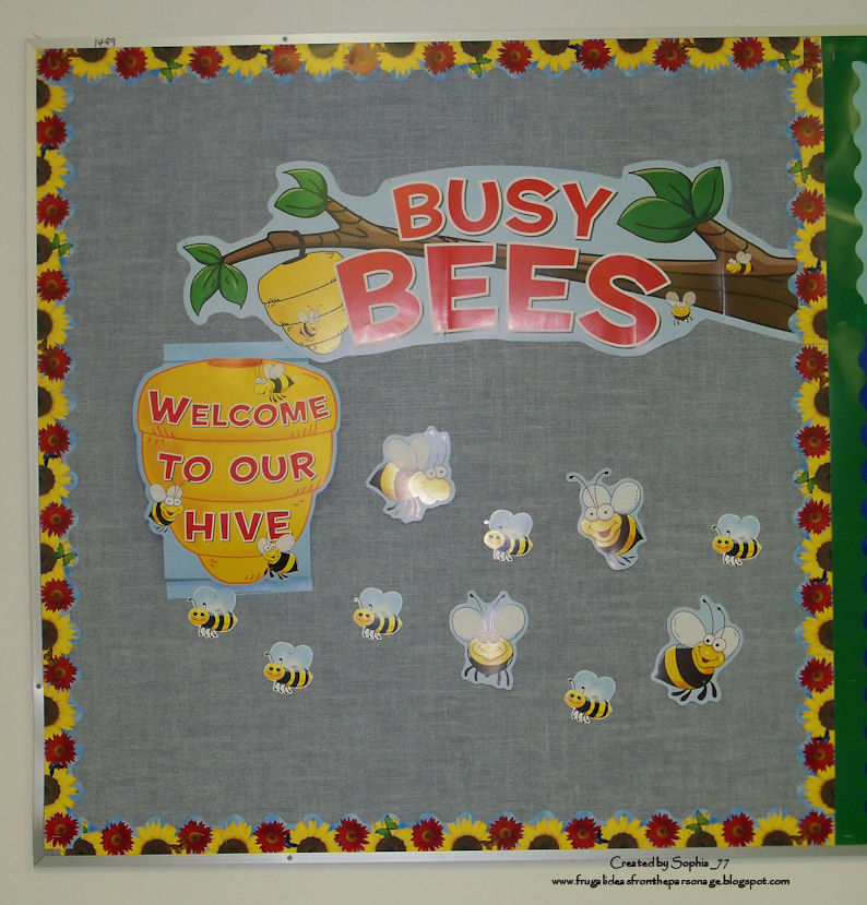 September Bulletin Board Ideas http://www.sophiassundries.com/2010/11/few-september-bulletin-boards.html