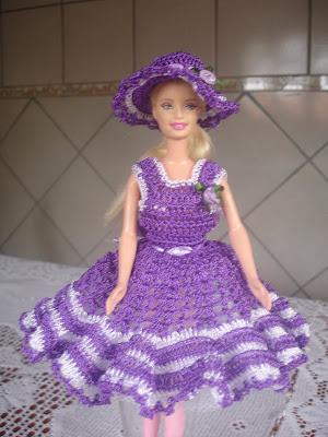 Vestido e chapéu para Barbie em crochê lilás