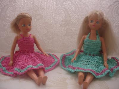 Vestidos para Barbie em crochê rosa e verde