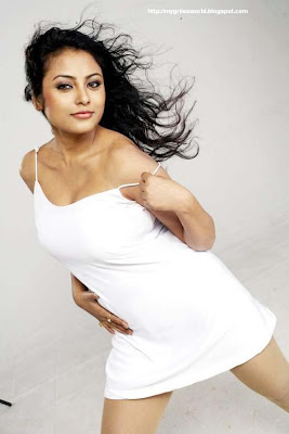HOT ACTRESS MEENAKSHI PICTURES