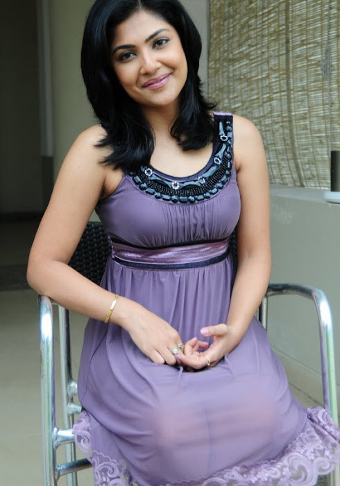 kamilini mukharjee in short frock hot photoshoot
